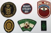 Productos Textil. Emblemas en plastisol sobre tejido serigrafía en relieve, logos